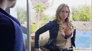 Brazzers - Sloppy cop Eva Notty
