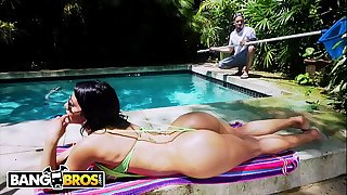 BANGBROS - Rose Monroe Pokings That Perfect Latin Booty On Bruno Dickemz's Fat Dick (ANAL)
